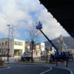 中軽井沢駅北口もイルミネーション準備が始まりました